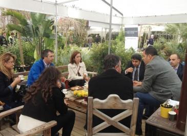 Lale Baysal ( İzmir Büyükşehir Belediyesi Park Bahçeler Daire Başkanı )